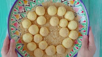 сырные шарики посыпаем панировкой