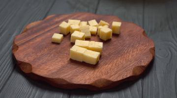 кубики сыра