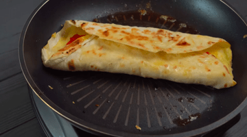 жаренный лаваш на сковороде